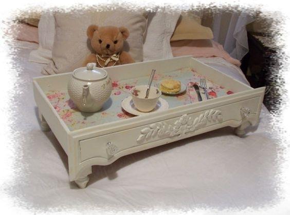 La colazione a letto con vassoi fai da te pattini - Vassoio per colazione a letto ...
