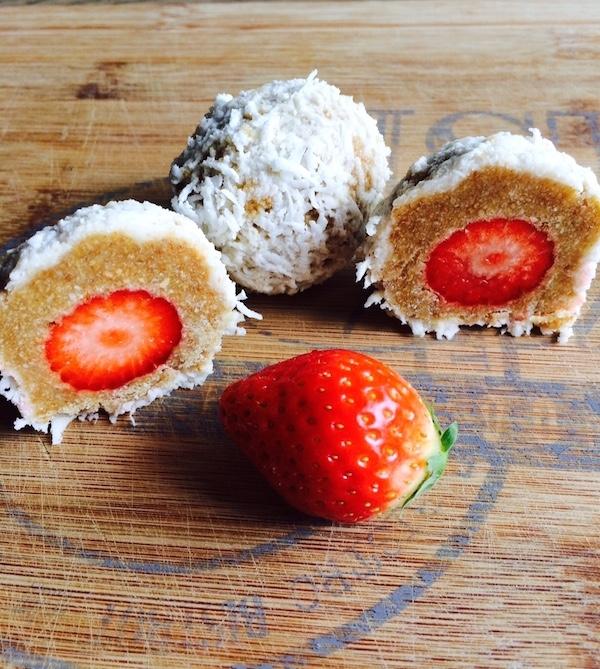 Dolcetti al cocco ripieni di fragole Dolci Pattìni