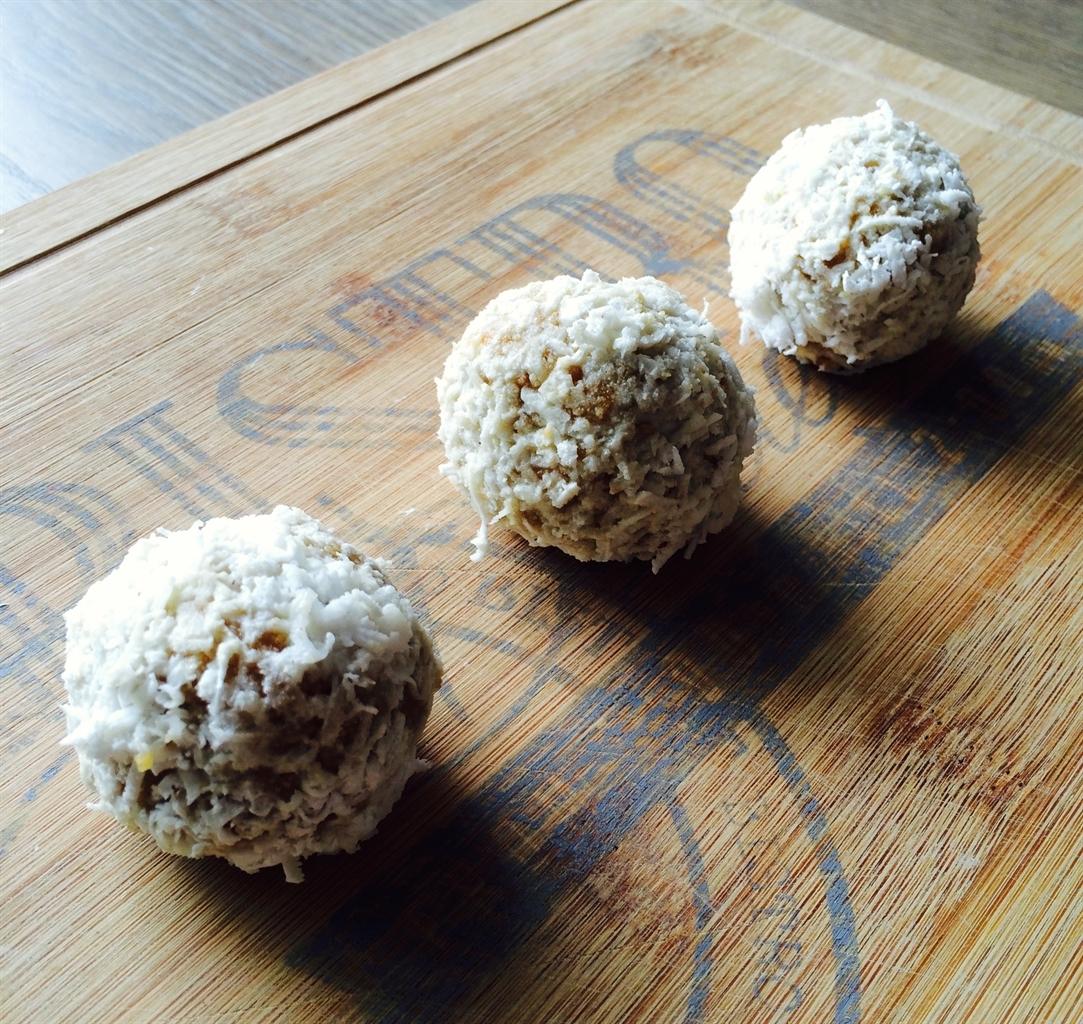 Dolcetti senza cottura con cocco e fragole Dolci Pattìni