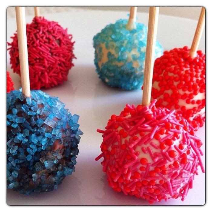 Cake pops ricoperti di cioccolato