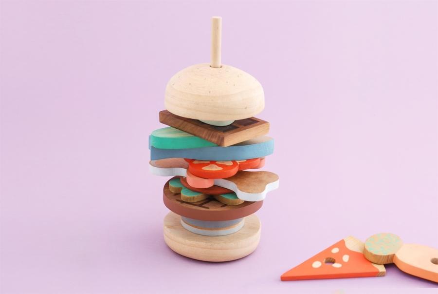 Un panino di legno per far divertire i bambini
