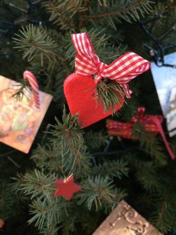 Decorazioni in pasta di sale per l'albero di Natale