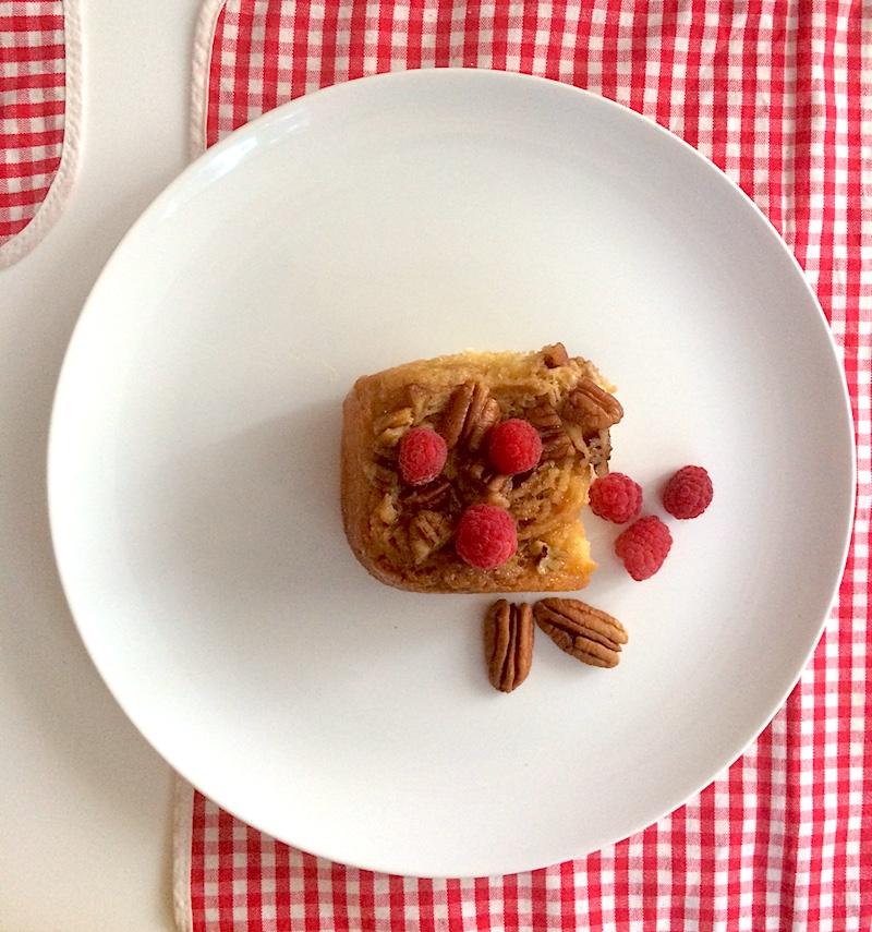 Brioche caramellata con miele, cannella e noci pecan