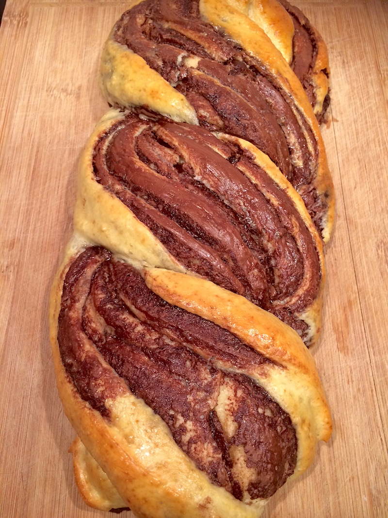Ricetta treccia di pane con crema al cioccolato
