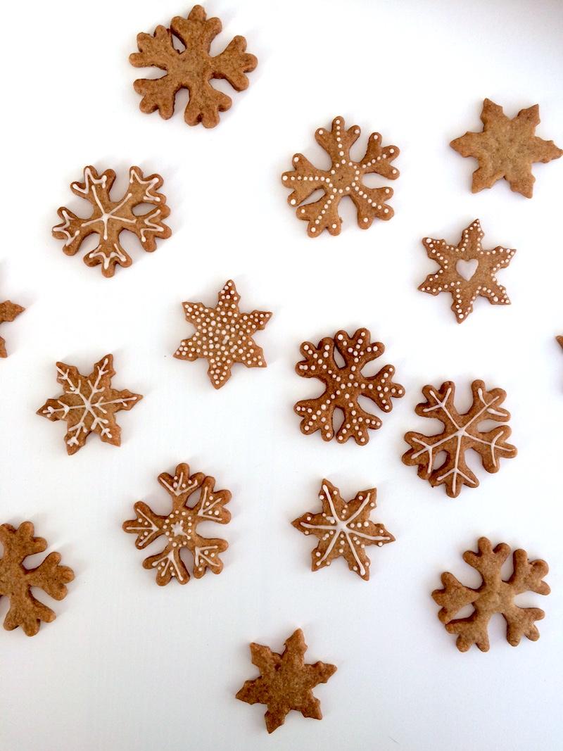 Fiocchi di neve di pan di zenzero: ricetta per i gingerbread di Natale