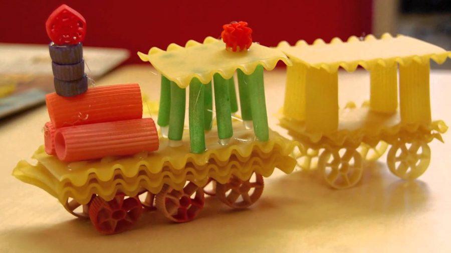 Pasta building: giochi di costruzione con la pasta