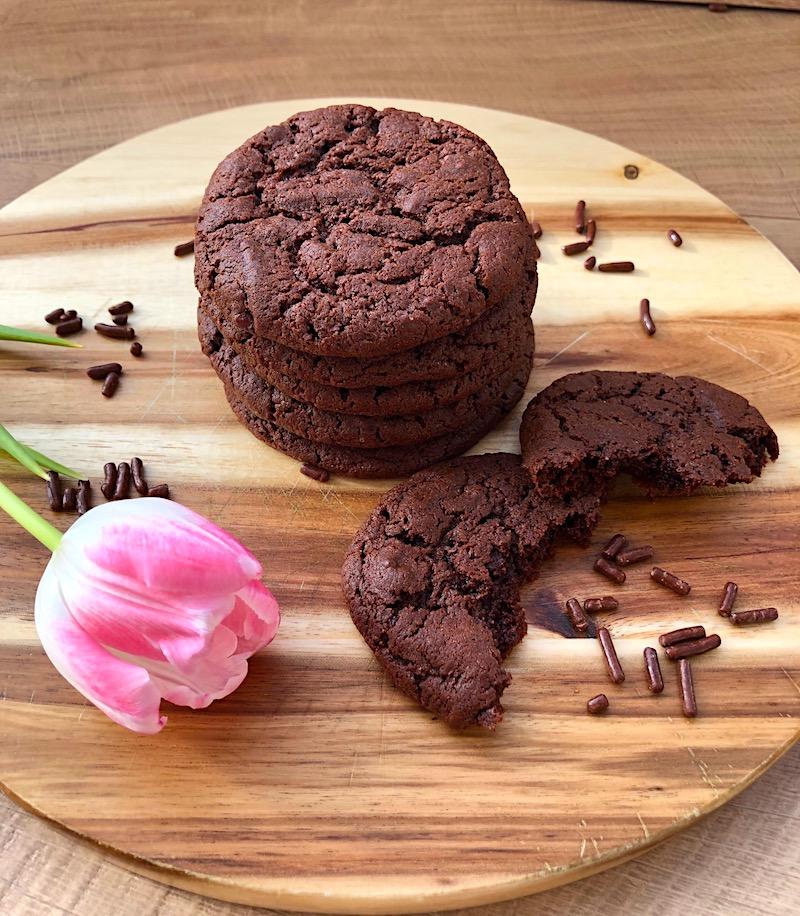 Double chocolate cookies: la ricetta dei biscotti al cioccolato americani