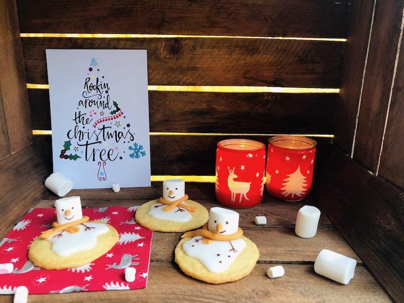 Biscotti natalizi con pupazzo di neve