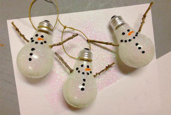 Pupazzi di neve creati a mano